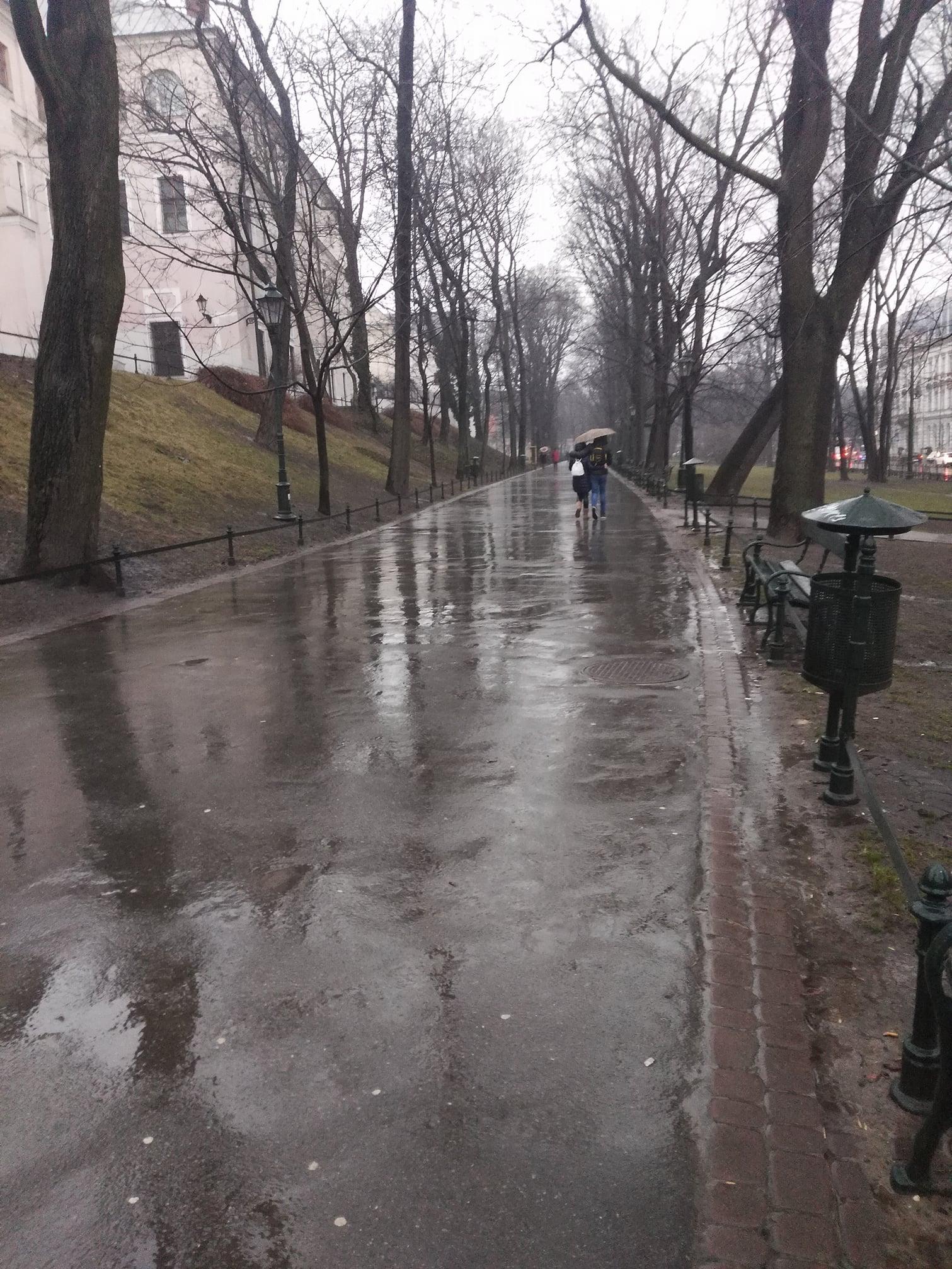 W końcu… w Krakowie pada od samego rana.