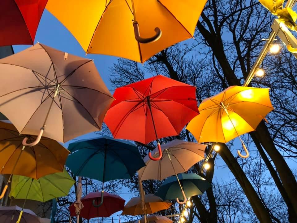 30 grudzień, pada… a tu wiszą parasolki…
